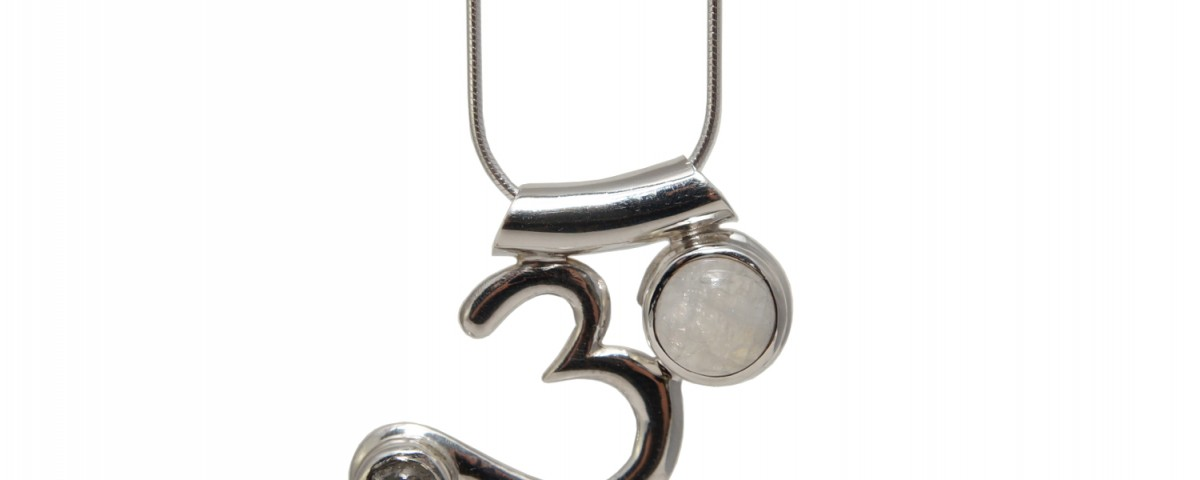 Om Anhänger mit Mondstein und Labradorit| Silber Anhänger | Halskette | Schlangenkette Silber | Halskete Silber | Yoga Schmuck