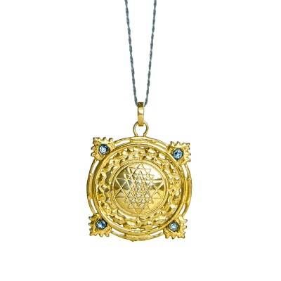 Sri Yantra Anhänger| Gold Anhänger | mit vier Aquamarinen | Yoga Schmuck | in edler 18 Karat vergoldeter Ausführung
