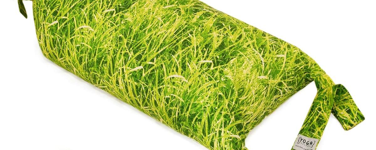 Meditationskissen   Yogakissen Rolle, Pilates Rolle grün Wiese   mit Fotodruck Wiese, mit Bio Dinkelspelzen gefüllt