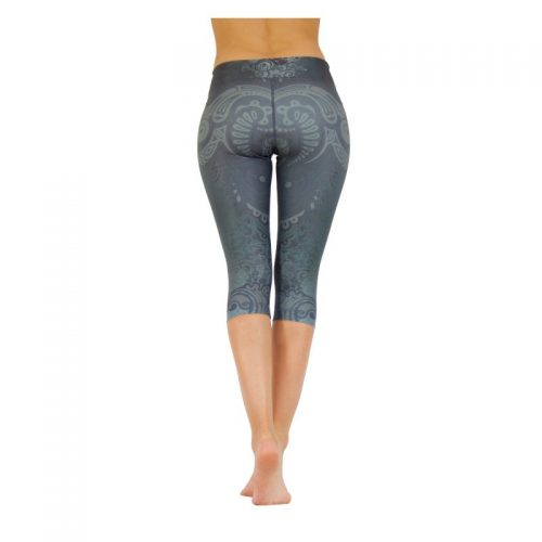 Yoga Capri Leggings von Niyama | Maori Magic | Yoga Pants | Yogahose | Fitness Leggings | Yoga Kleidung