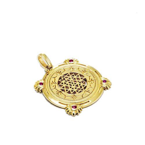 Gold Anhänger Sri Yantra aus Sterlingsilber 18 Karat vergoldet mit Rubin