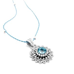 Silber Anhänger Hals Chakra aus Sterlingsilber mit blauem Topas | Chakra Schmuck | Yoga Anhänger | Spiritueller Schmuck | Hals Chakra Anhänger | Silber Anhänger kaufen