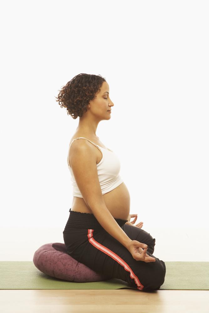 Yogaübung Siddhasana Meditatioshaltung Yoga in der Schwangerschaft