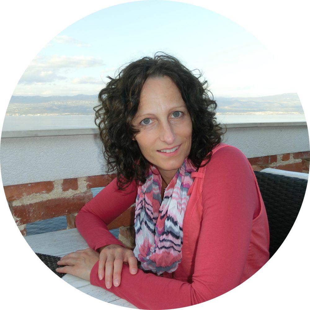 Katrin B. Steiner Yogalehrerin BDY Ausbildung