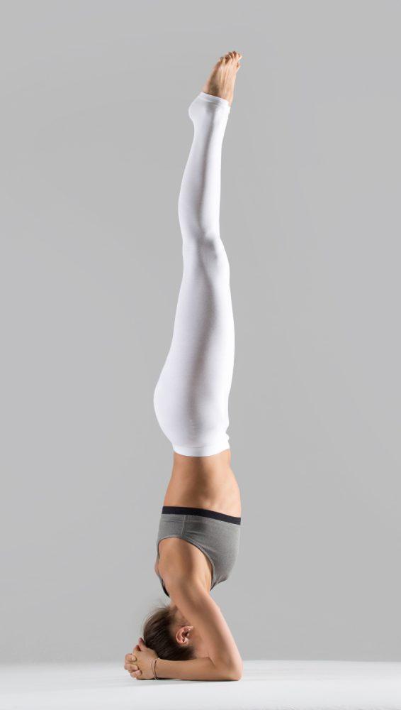 Ashtanga Übungen benötigen viel Kraft und Ausdauer