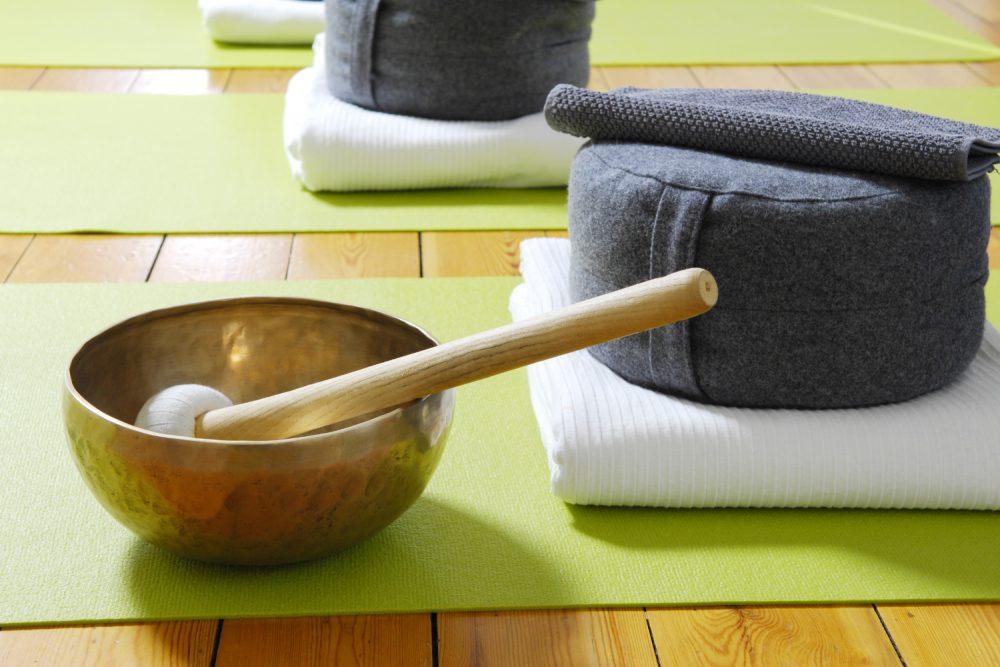Was brauche ich für eine Klangschalen-Meditation