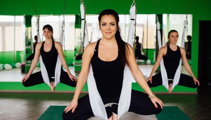 Aerial Yoga – ein faszinierendes & akrobatisches Ganzkörpertraining