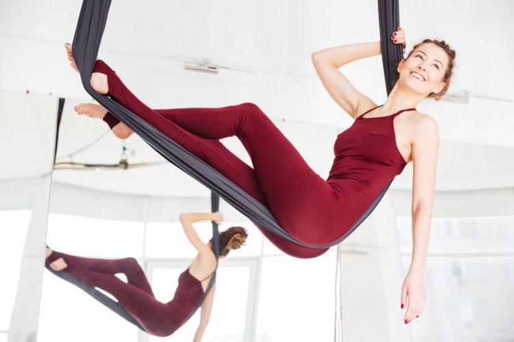 Die positiven Effekte von Antigravity Yoga