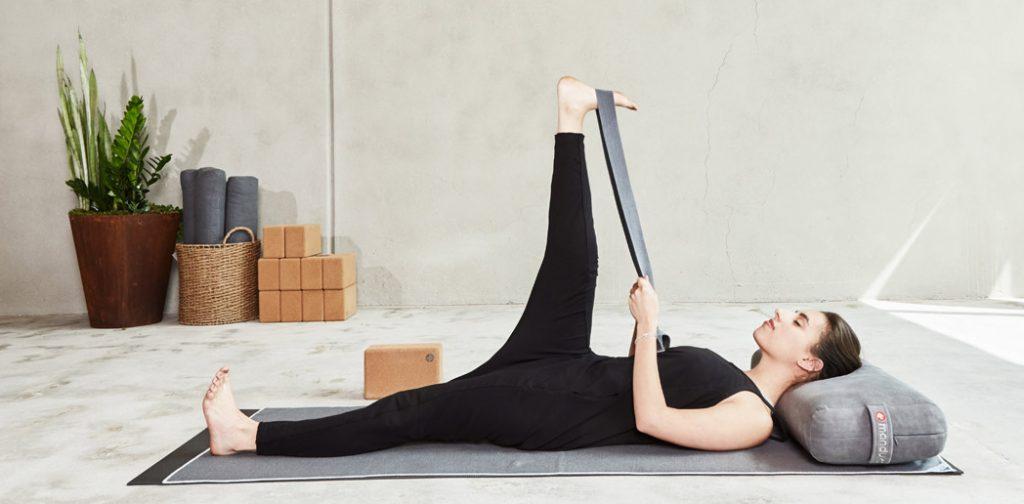 Yogazubehör: Hilfsmittel für Ihre Yoga- und Meditationspraxis
