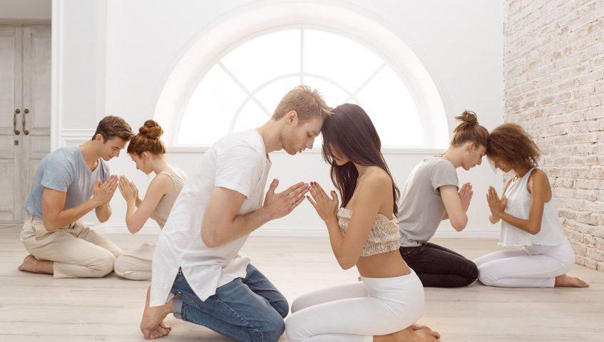 Tantra Yoga – der Yogastil für mehr Sinnlichkeit & Lust