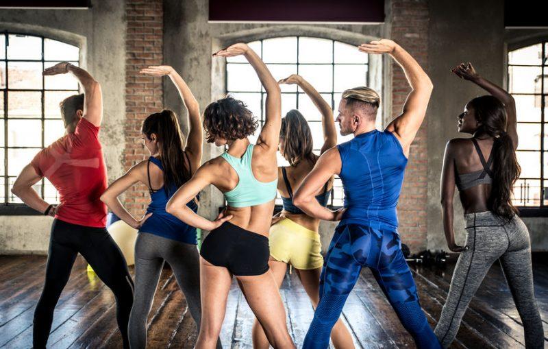 Was kann ich bei einer Yoga Dancing-Stunde erwarten