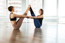 Partner Yoga – ein schönes Erlebnis für Paare und Freunde