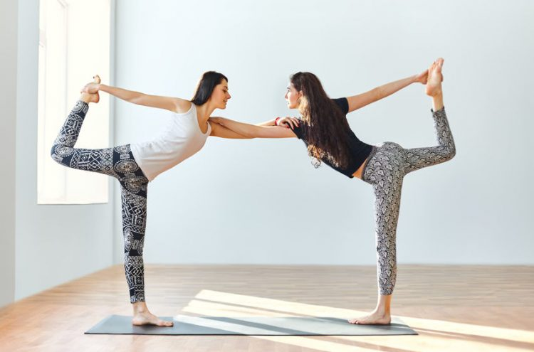 Partner Yoga - Die Wirkung von diesem Yogastil