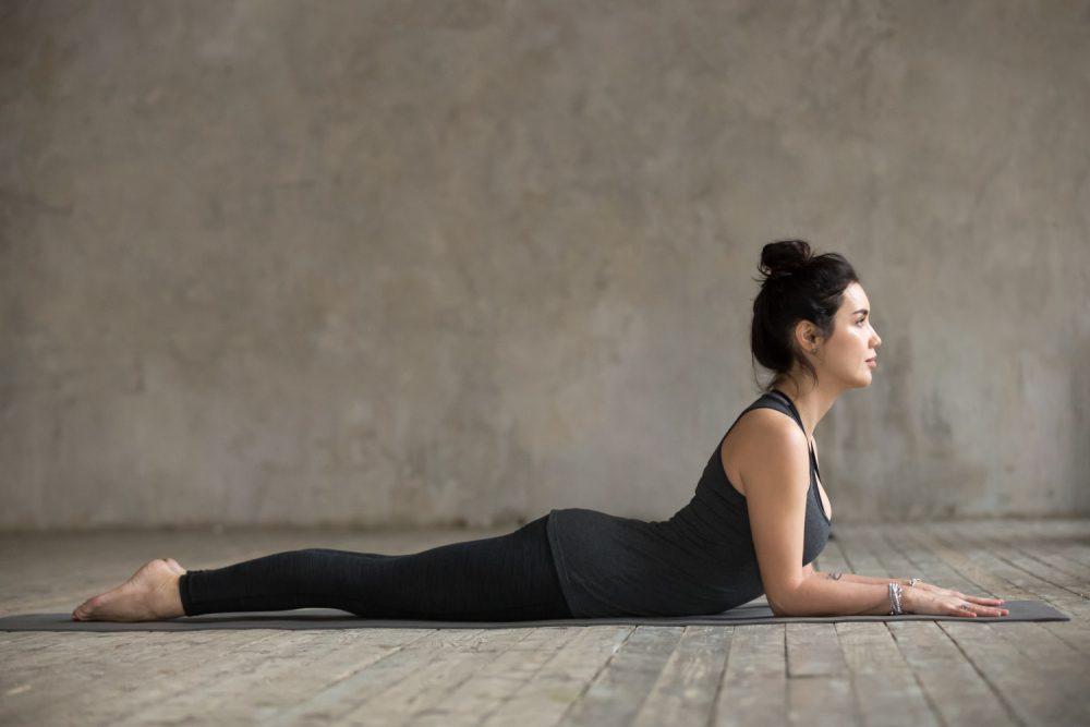 Yin Yoga Übungen - 8 entspannende Übungen für Zuhause