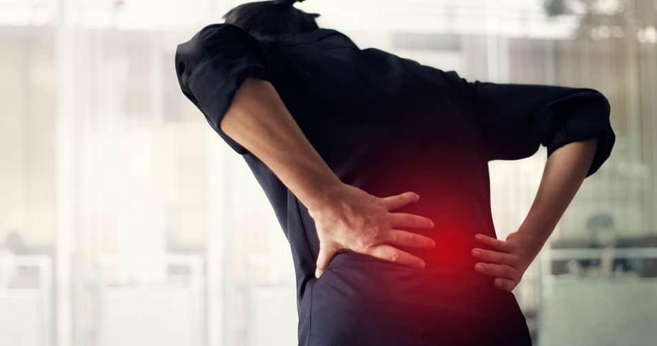 Überlastung können in Rückenschmerzen