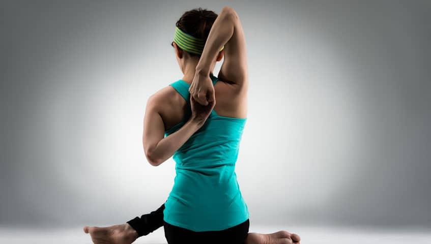 Yoga gegen Rückenschmerzen 10 Übungen die wirklich helfen?