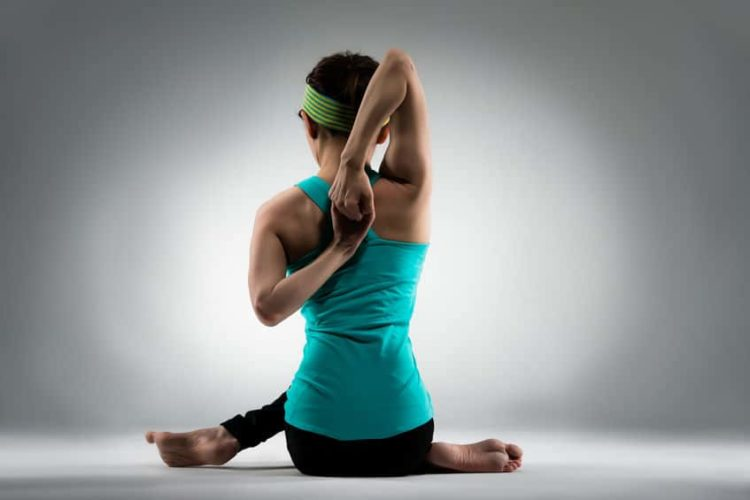 Yoga gegen Rückenschmerzen 10 Übungen die wirklich helfen